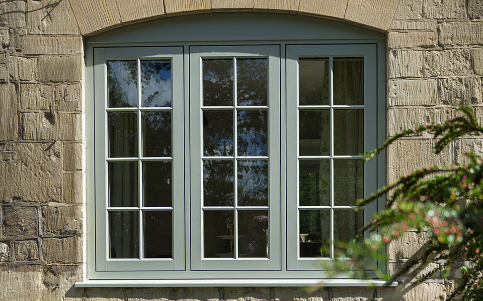 Flush sash green heritage window